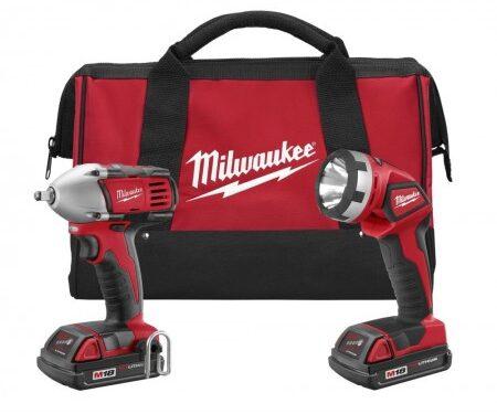 Milwaukee impact driver and flashlight combo kit (2 Ah)