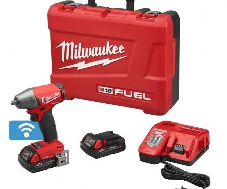 Milwaukee impact wrench w/ one key kit and compact batteries