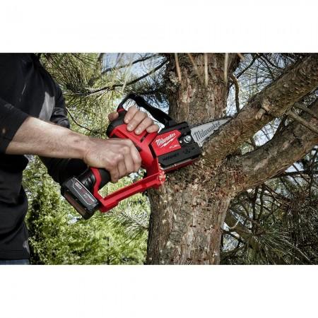 "Milwaukee 2527-21 M12 FUEL™ HATCHET™ 6"" Pruning Saw Kit"